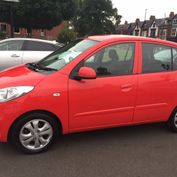 red Hyundai i10 Active 1.3